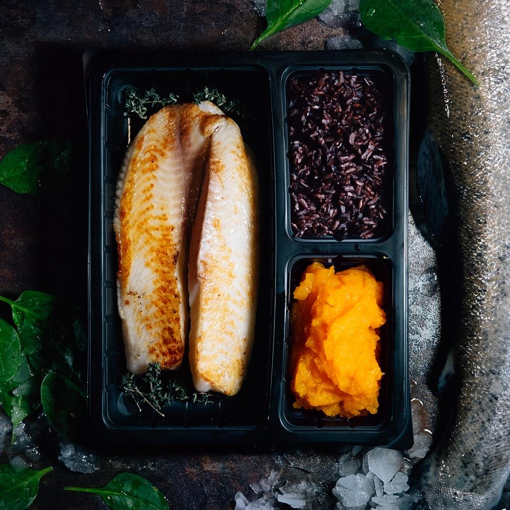 Бяла риба с пюре от тиква и императорски ориз