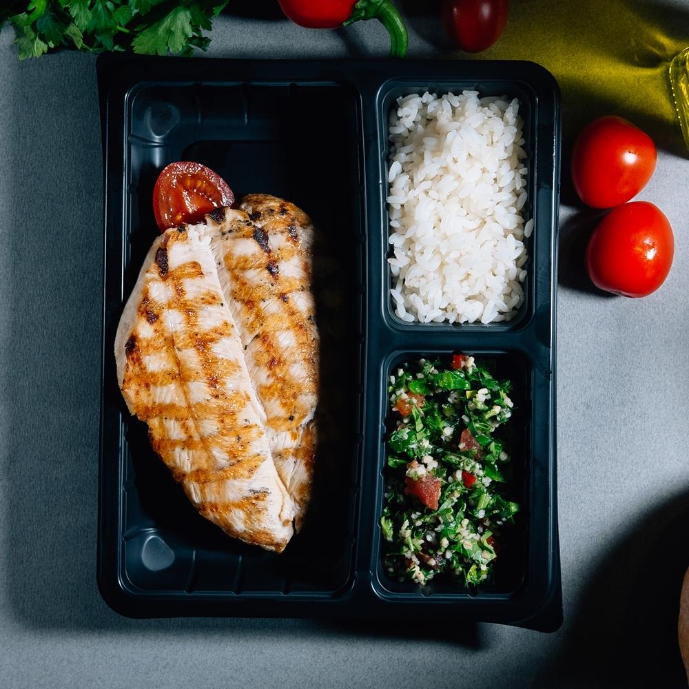 Пуешко филе Су Вид с разядка Табуле и ориз
